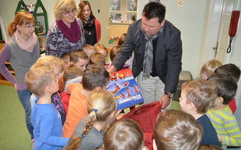 Kleine Geschenke für die Kindergärten