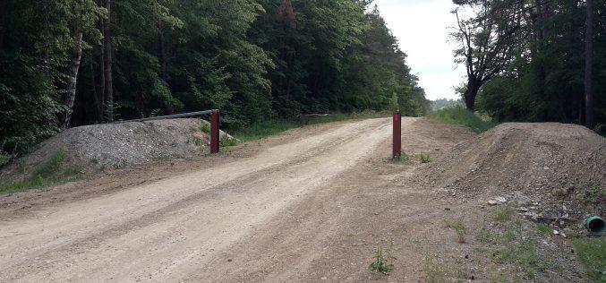 """Forstweg über die alte L1048 """"Hund"""""""