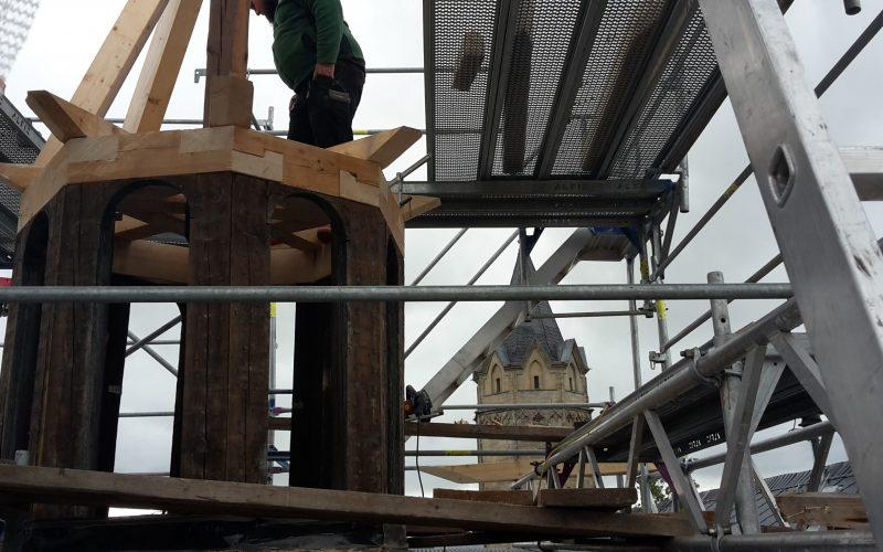 Östlicher Rathausturm vor Fertigstellung