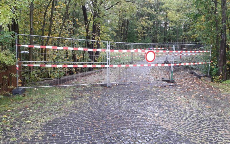 Sperrung der Fußgängerbrücke über den Mühlgraben in Oberilm